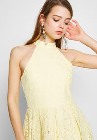 Nly by Nelly - BLINDING DRESS - Cocktailklänning - light yellow - 4