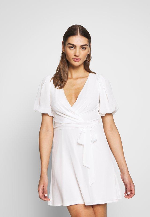 PUFF SLEEVE DRESS - Denní šaty - white
