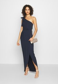 Nly by Nelly - ONE SHOULDER GOWN - Vestido de fiesta - navy - 1