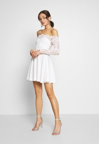 Nly by Nelly - LACE OFF SHOULDER SKATER - Juhlamekko - white - 1