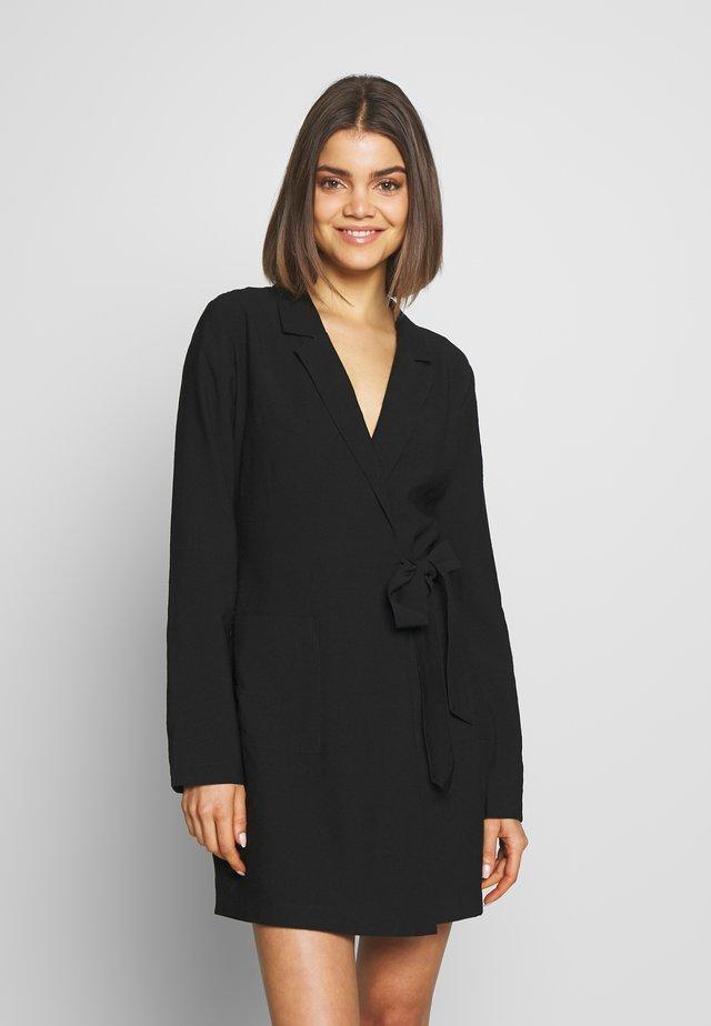 WRAP SUIT DRESS - Denní šaty - black