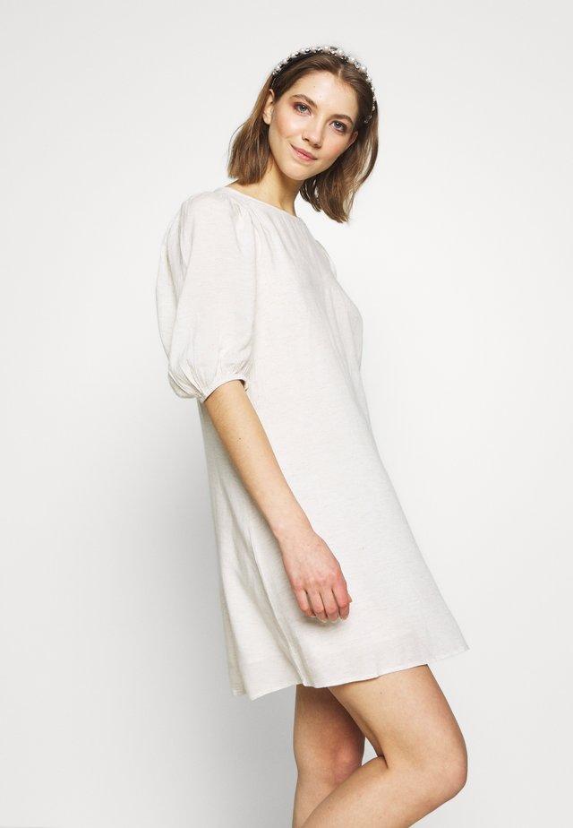 SOFT GRUNGE DRESS - Denní šaty - beige