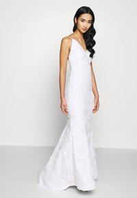 Nly by Nelly - DESIRABLE GOWN - Iltapuku - white - 1