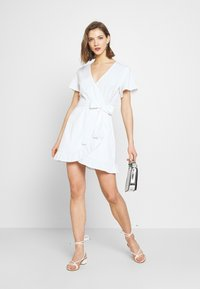 Nly by Nelly - WRAPPED FRILL DRESS - Kjole - white - 1