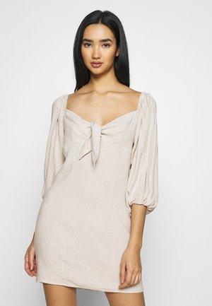 OFF SHOULDER DRESS - Robe d'été - beige