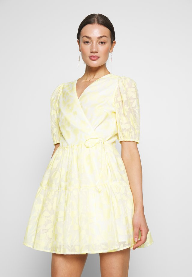 BLOOM DRESS - Robe d'été - light yellow
