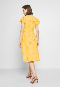 Nly by Nelly - DOUBLE FLOUNCE MIDI DRESS - Iltapuku - yellow - 2