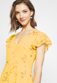 Nly by Nelly - DOUBLE FLOUNCE MIDI DRESS - Iltapuku - yellow - 4