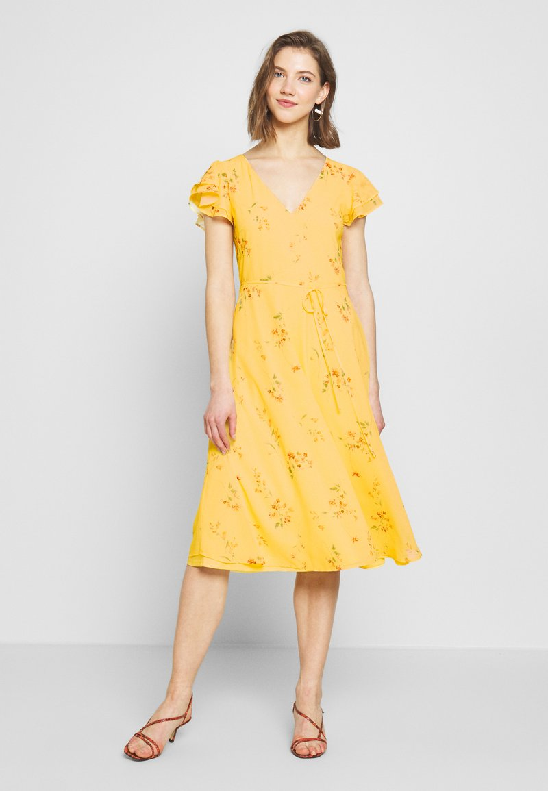 Nly by Nelly - DOUBLE FLOUNCE MIDI DRESS - Iltapuku - yellow