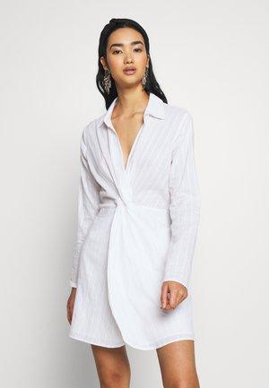 WRINKLE DRESS - Kjole - white