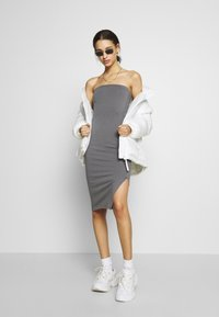 Nly by Nelly - OFF DUTY TUBE DRESS - Etuikjole - gray - 1
