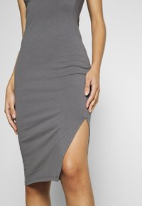 Nly by Nelly - OFF DUTY TUBE DRESS - Etuikjole - gray - 4