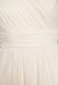 Nly by Nelly - STUNNING ONE SHOULDER GOWN - Abito da sera - champagne - 2