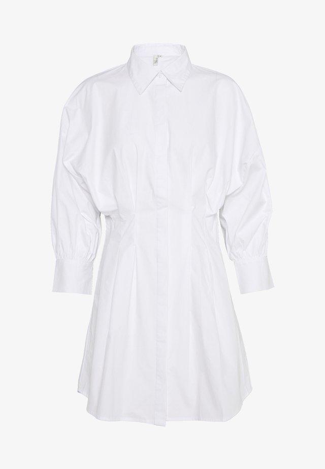 WAIST FOCUS SHIRT DRESS - Denní šaty - white