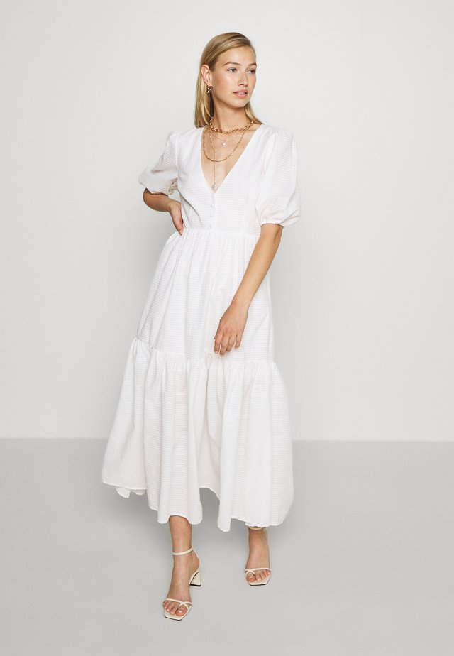 FLOWY BUTTON DRESS - Vestido largo - white