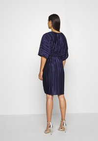 Nly by Nelly - PLEATED KIMONO DRESS - Cocktailjurk - navy - 2