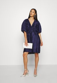 Nly by Nelly - PLEATED KIMONO DRESS - Cocktailjurk - navy - 1