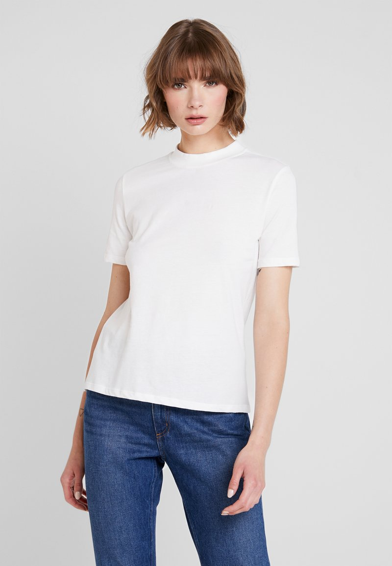 Nly by Nelly - HIGH NECK TEE - T-shirts - white