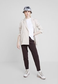 Nly by Nelly - BASIC TEE - Jednoduché triko - white - 1