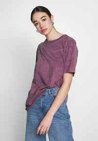 Nly by Nelly - WASHED OUT TEE - Basic T-shirt - purple - 0