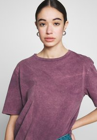 Nly by Nelly - WASHED OUT TEE - Basic T-shirt - purple - 3