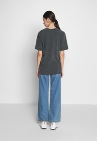 Nly by Nelly - WASHED OUT TEE - Basic T-shirt - offblack - 2