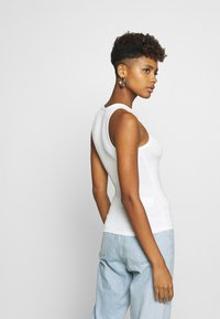 Nly by Nelly - A SIMPLE TANK - Top - white - 2