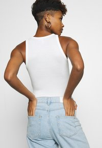 Nly by Nelly - A SIMPLE TANK - Top - white - 5