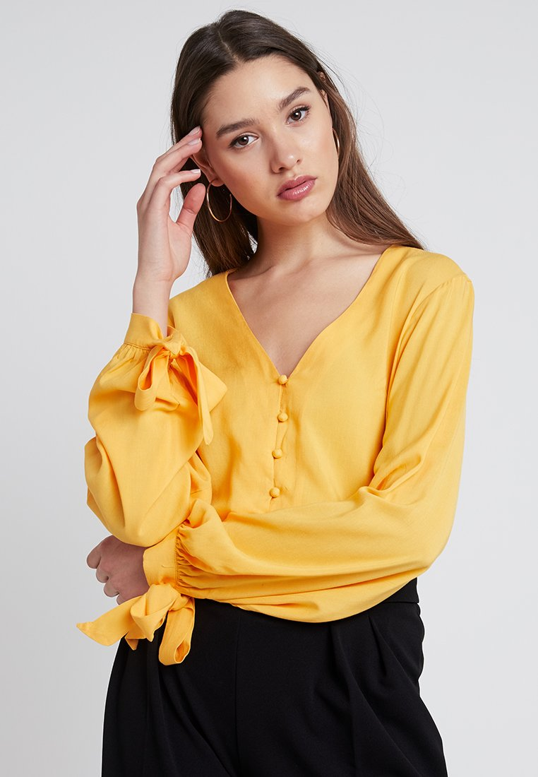 Nly by Nelly - FRONT BUTTON BLOUSE - Blusa - yellow