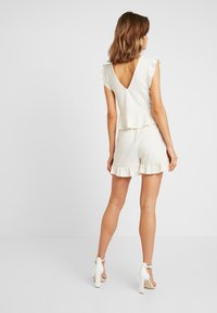 Nly by Nelly - FLIRTY - Shorts - creme - 2