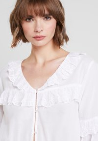 Nly by Nelly - EXCLUSIVE BLOUSE - Blůza - white - 3