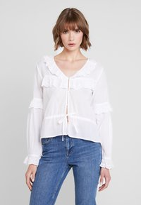 Nly by Nelly - EXCLUSIVE BLOUSE - Blůza - white - 0