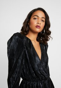 Nly by Nelly - PLEATED WRAP - Blus - black - 3
