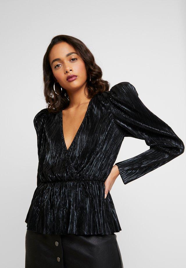 PLEATED WRAP - Bluse - black