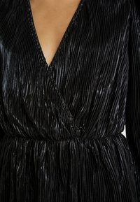 Nly by Nelly - PLEATED WRAP - Blus - black - 5