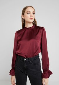 Nly by Nelly - HIGH NECK BLOUSE - Blouse - burgundy - 0