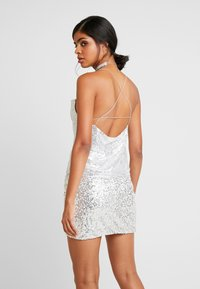 Nly by Nelly - DRAPED SEQUIN SINGLET - Topper - silver - 2