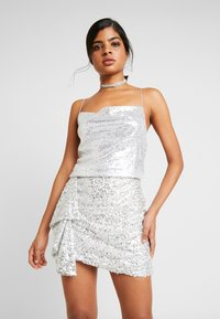 Nly by Nelly - DRAPED SEQUIN SINGLET - Topper - silver - 0