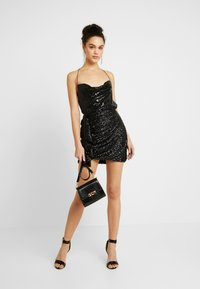 Nly by Nelly - DRAPED SEQUIN SINGLET - Débardeur - black - 1