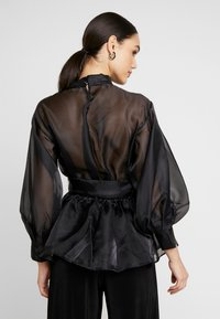 Nly by Nelly - VOLUME ORGANZA BLOUSE - Blus - black - 2