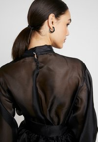 Nly by Nelly - VOLUME ORGANZA BLOUSE - Blus - black - 5