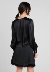 Nly by Nelly - EYE CATCHER BLOUSE - Blus - black - 2