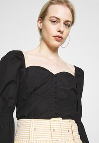 Nly by Nelly - BUTTON SAVANNAH - Blouse - black - 4