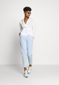 Nly by Nelly - STRUCTURE KNOT - Bluser - white - 1