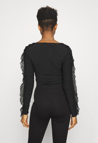 Nly by Nelly - RUFFLE BODY - Topper langermet - black - 2