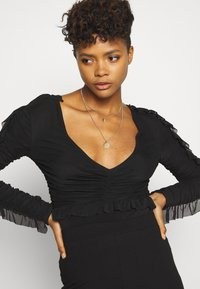 Nly by Nelly - RUFFLE BODY - Topper langermet - black - 3
