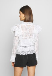 Nly by Nelly - MEGA FRILL - Blusa - white - 2