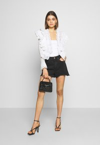 Nly by Nelly - MEGA FRILL - Blusa - white - 1