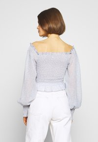 Nly by Nelly - FLOWY SMOCK - Blouse - light blue - 2