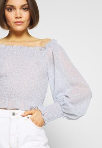 Nly by Nelly - FLOWY SMOCK - Blouse - light blue - 5